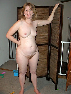 women with aphoristic tits posing nude