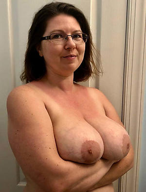 sex galleries be incumbent on old women with massive tits