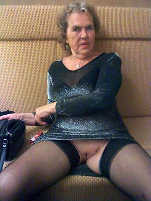 older woman upskirt amateur pics