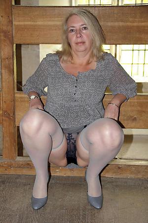 sex galleries of elder woman upskirt