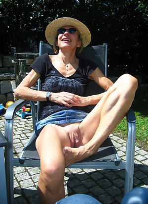 crazy mature lady upskirt