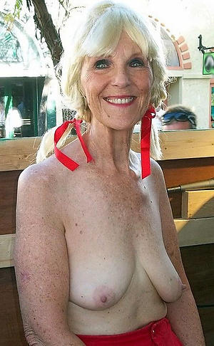 naked blonde grown-up granny