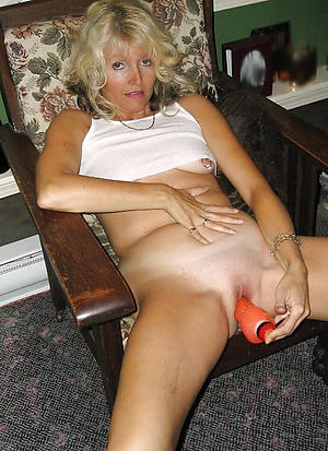 amazing mommy masturbating