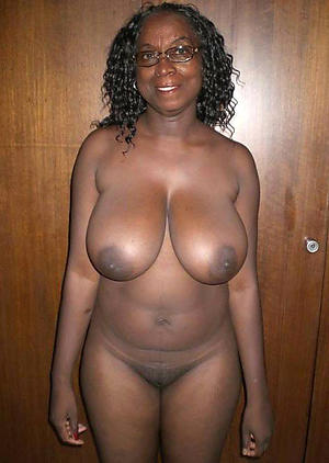 nice mature black pussy