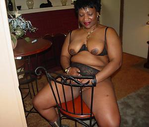 black mature women non-professional pics