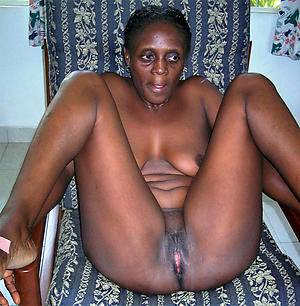 nasty ebony mature pussy