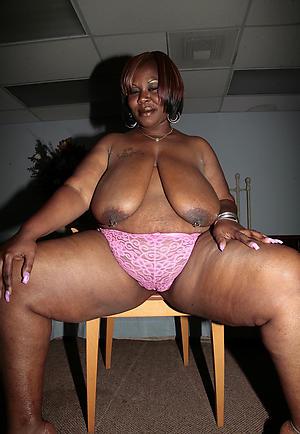 ebony mature pussy nude photo