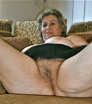 old mature cunt posing nude