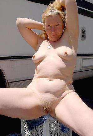 older nude women free pics
