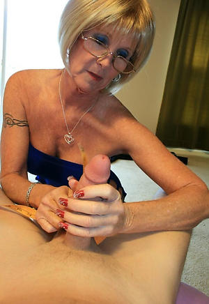nude pics of doyenne pussy
