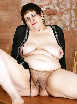 hot older women nude photo