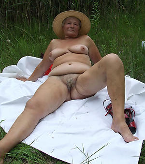 horny old ladies love posing uncovered