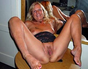 slutty mature vulva pics