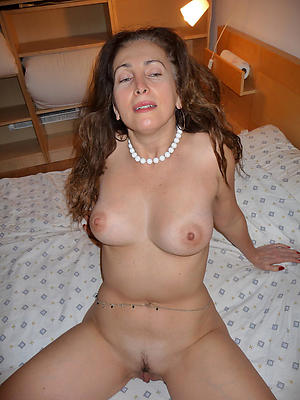 grown-up hot ladies porn pictures