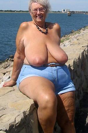 amazing chubby nude grannies