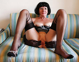 xxx pictures of grown up naked legs