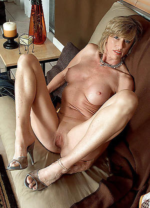 mature in one's birthday suit legs sex pics