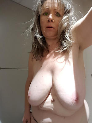 mature wife slut adore posing unconcealed