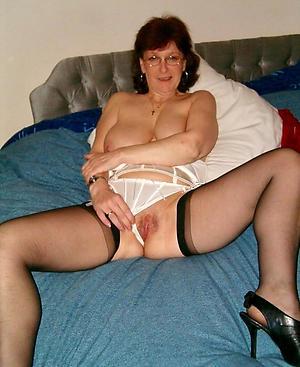 mature women cougars posing nude