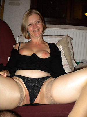porn pics of full-grown sexy cougar