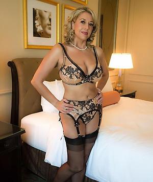 xxx pictures of elegant mature nudes