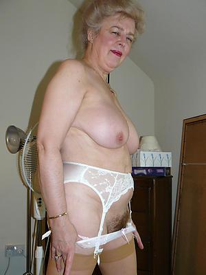 big pussy granny posing nude