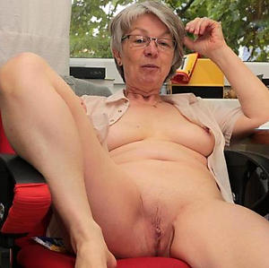 sexy age-old women pussy