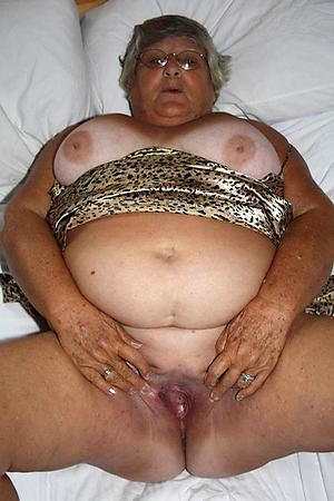 slutty X-rated old women pussy