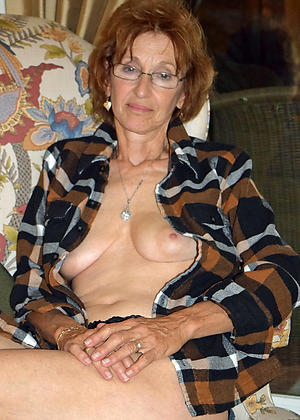 free pics of nude grannies with glasses
