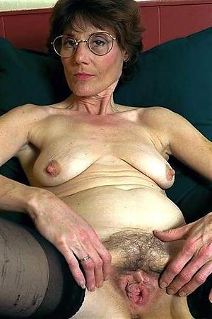saggy tits mature porn pics