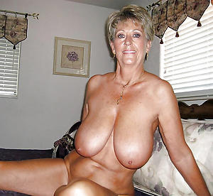 saggy tits mature sex gallery