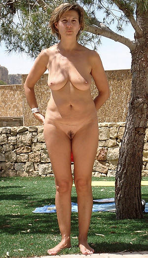 mature outdoor pussy unpaid pics