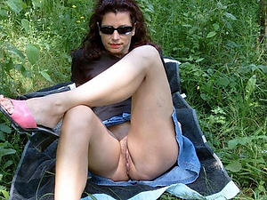 sexy mature outdoor nudes