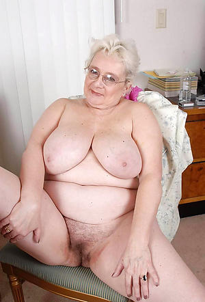 xxx pictures be proper of flimsy granny pussy