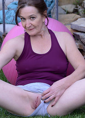 amateur aged lady vagina