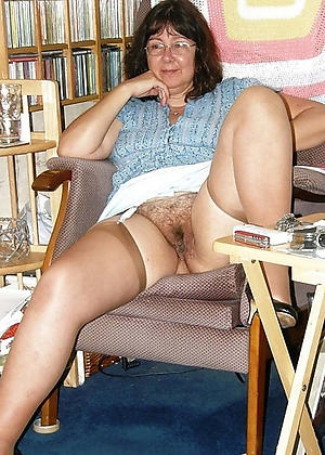 xxx pictures be fitting of mature vulva