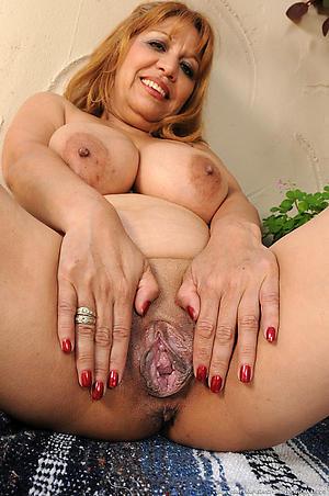 crazy granny mature vulva pics