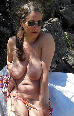 sexy granny boobs love posing nude