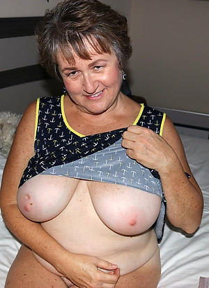old granny boobs amateur pics