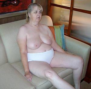nude pics of big boob grannies