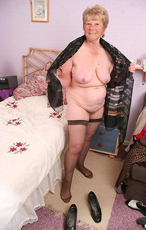 bare-ass older granny porn images