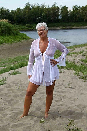 naughty older women on the beach minimal pics