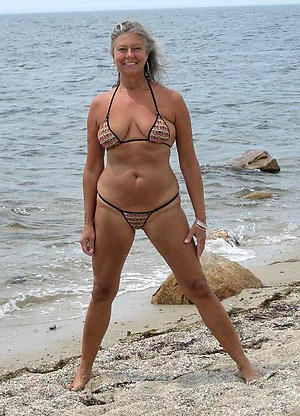 making love galleries of older women in bikinis