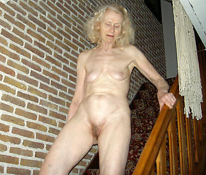 amateur very old naked women porn pic