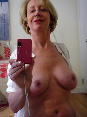 naked older women pussy selfshot