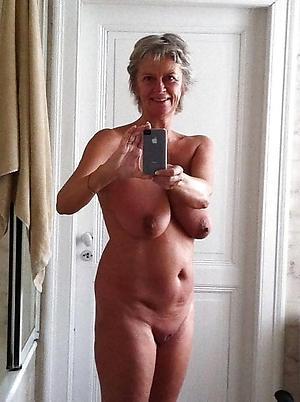 older women pussy selfshot amateur pics