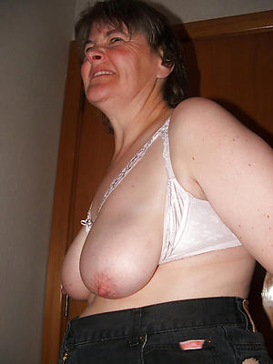 older women with big nipples amateur pics