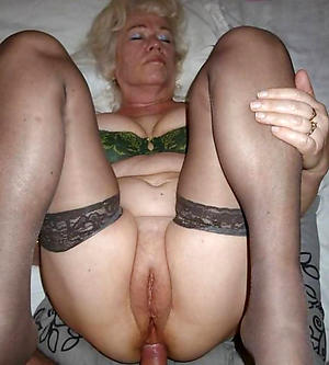 granny likes to fuck sex pics
