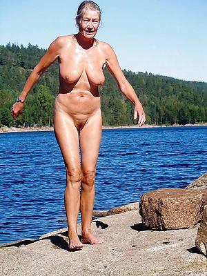 older women girlfriend posing nude