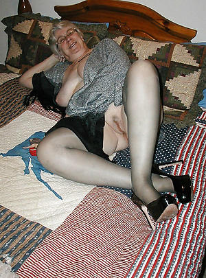 old housewife pussy porn pictures